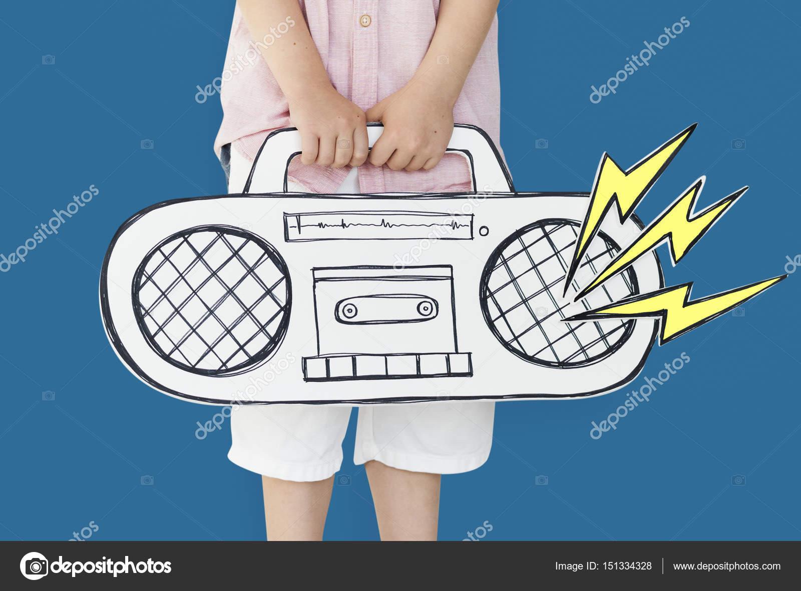 muchacho con radio de papel — Fotos de Stock © Rawpixel #151334328