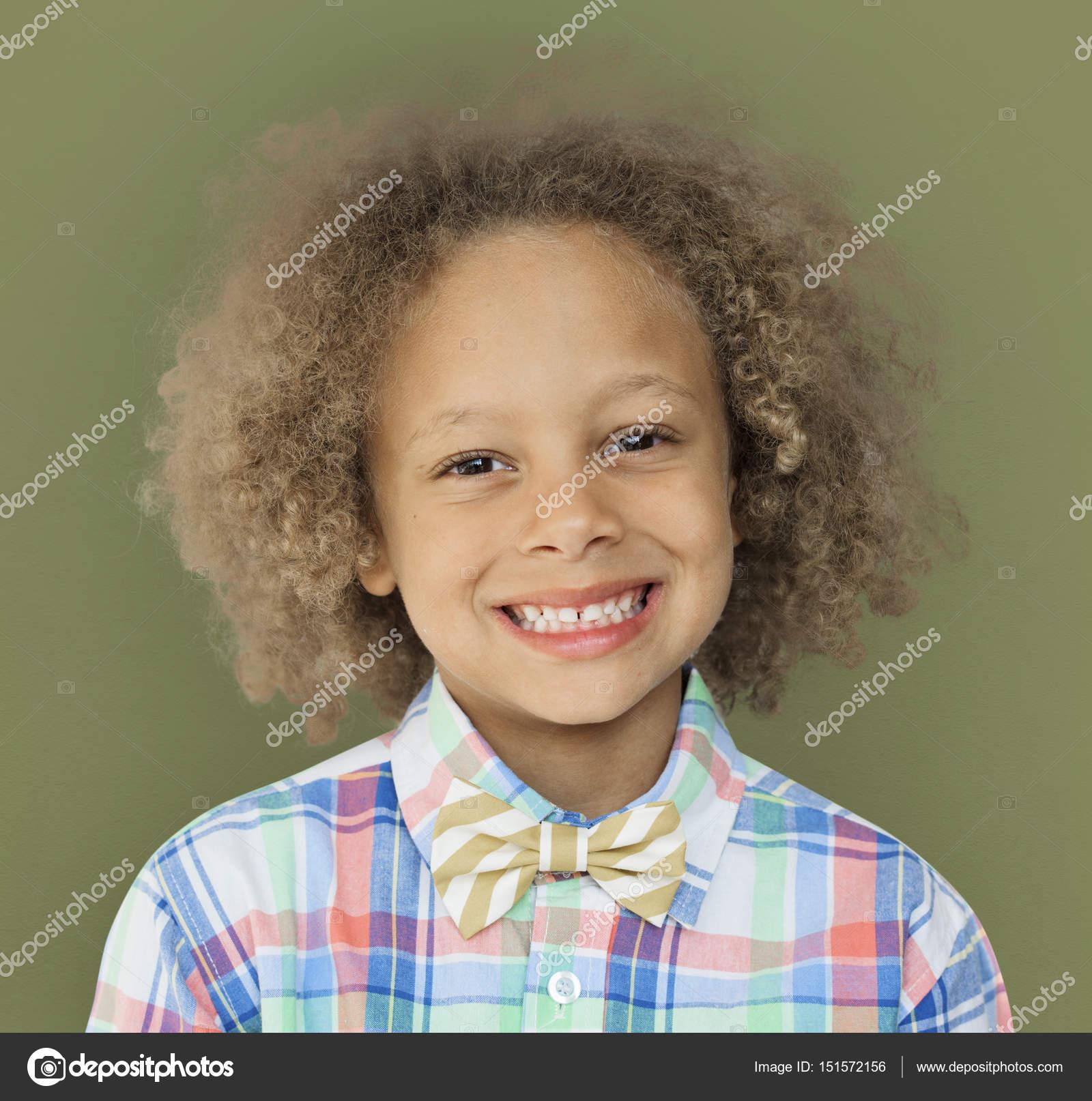 Petit Garcon Avec Une Coiffure Afro Photographie Rawpixel C 151572156