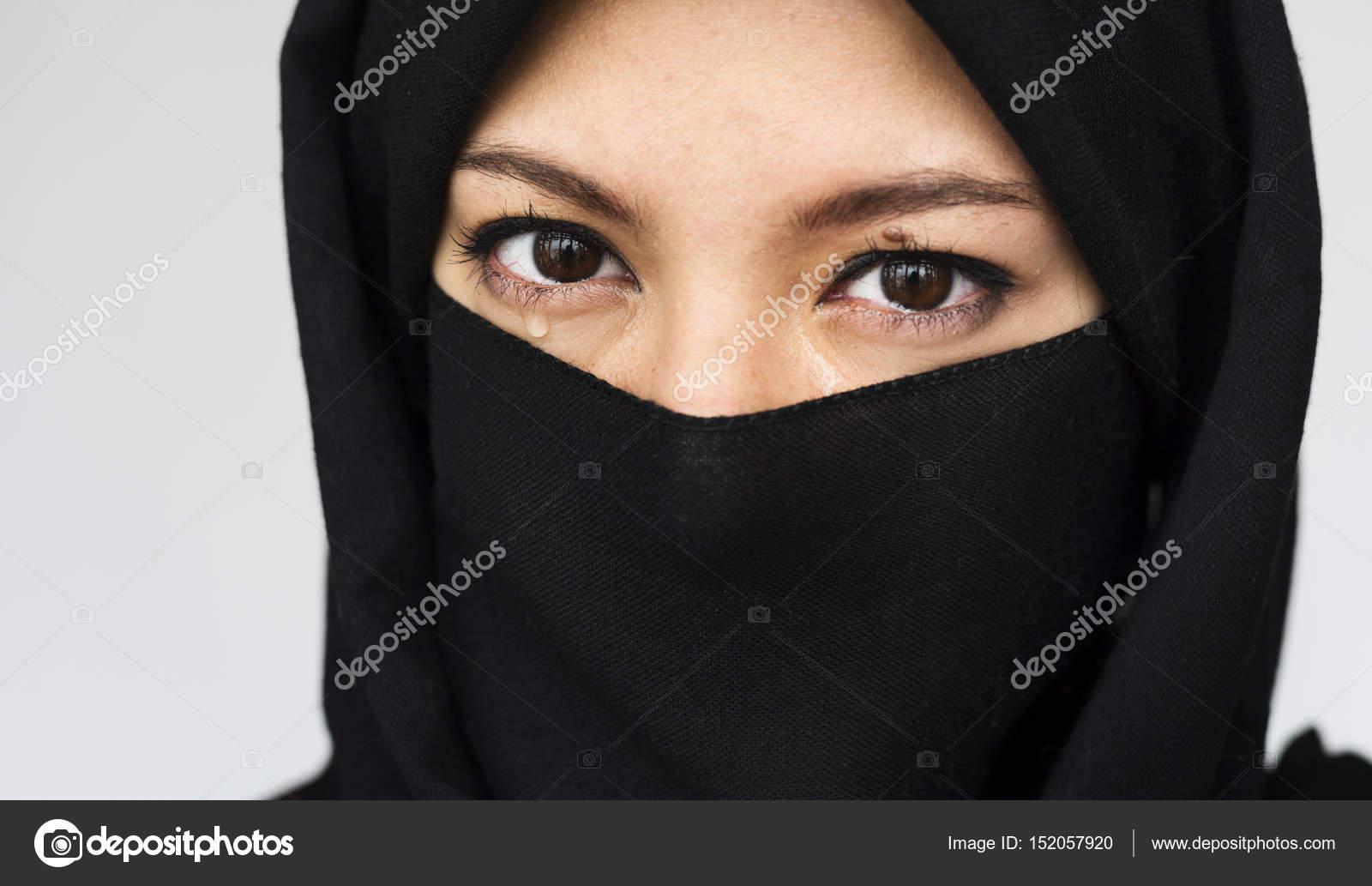 purdah のイスラム教徒の女性の肖像画 ストック写真 rawpixel 152057920