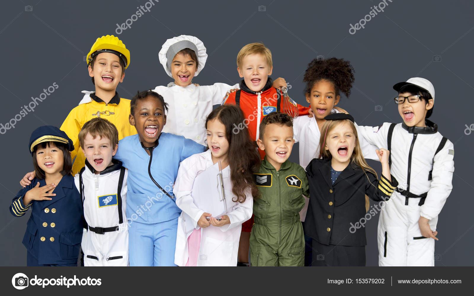 Niños vestidos con trajes de carrera — Foto de stock © Rawpixel ...
