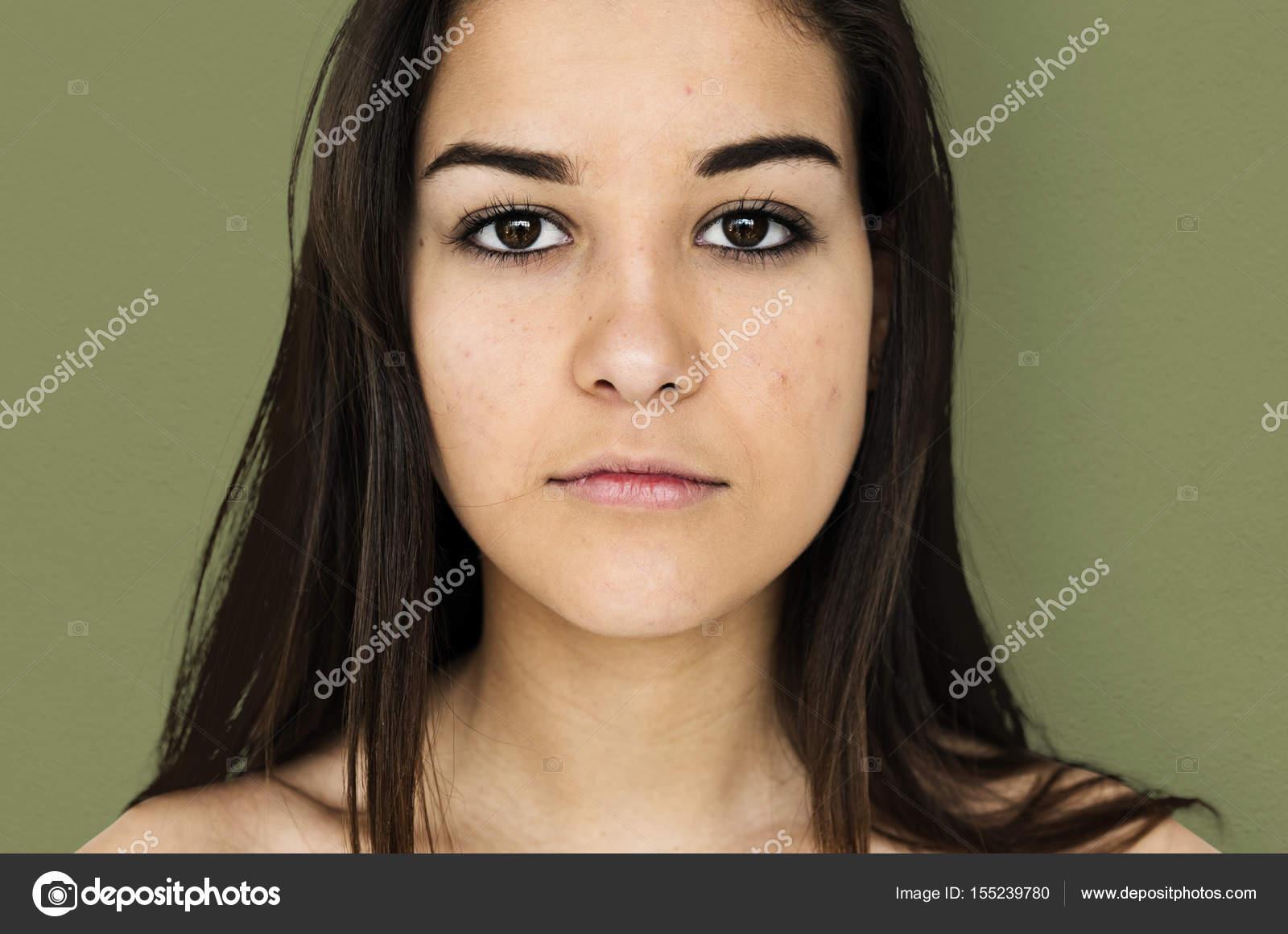 Donne nude e adolescenti