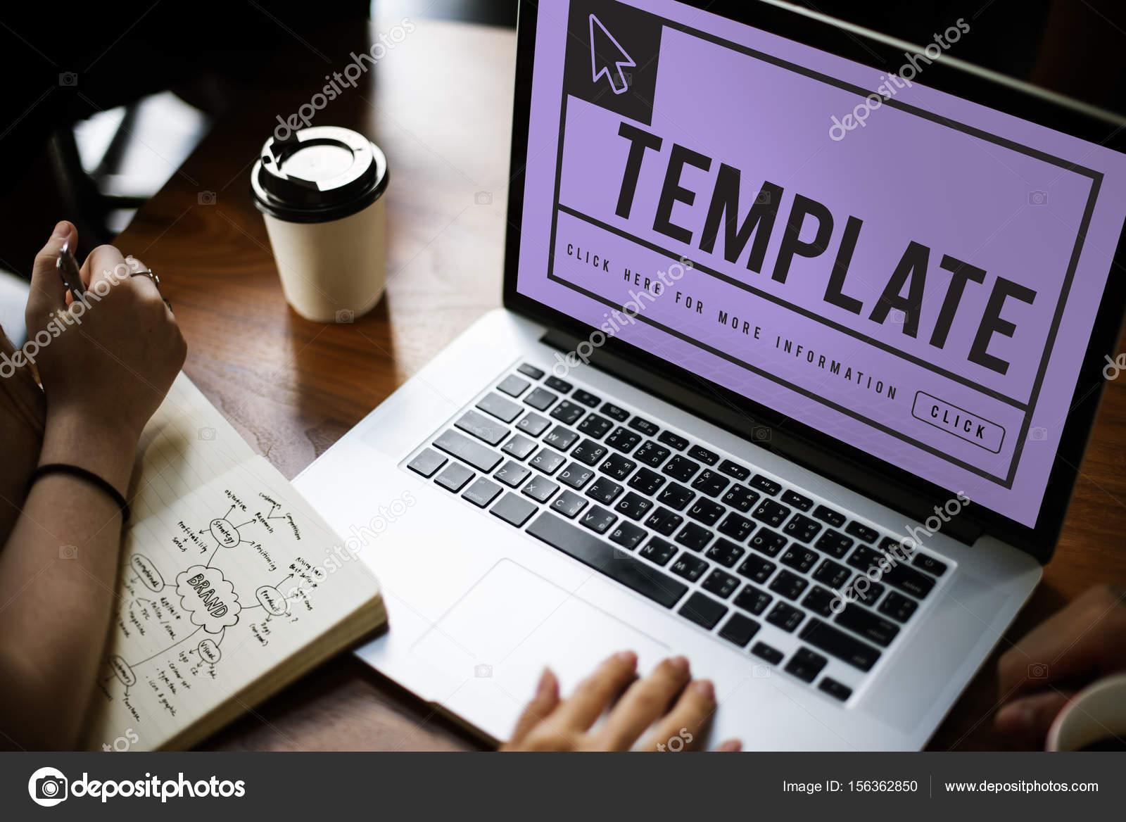 mesa de trabajo con ordenador portátil — Fotos de Stock © Rawpixel ...