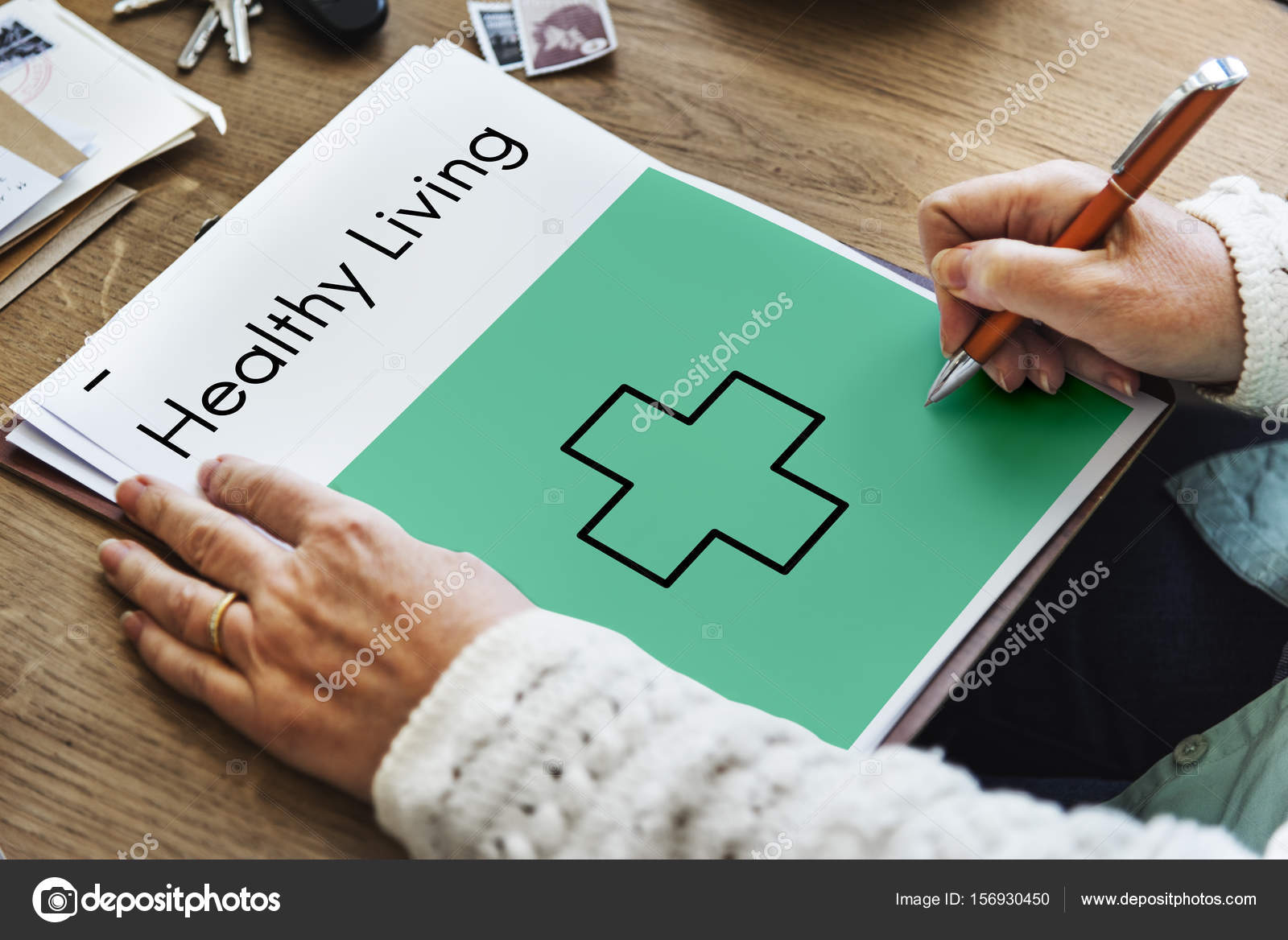 manos escribir el concepto de vida saludable — Foto de stock ...