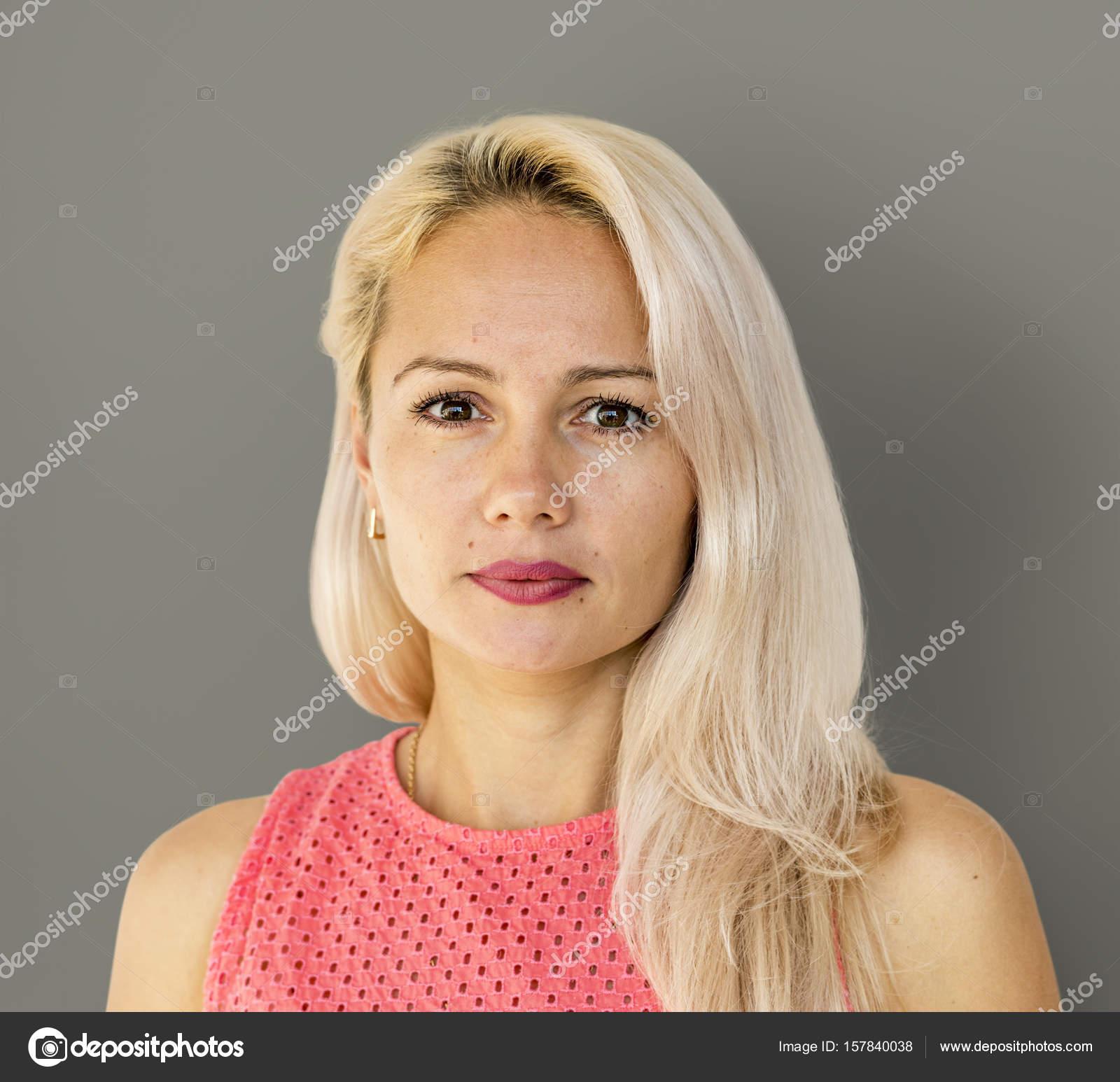Номера индивидуалок красивая молодая блондинка соло смотреть как
