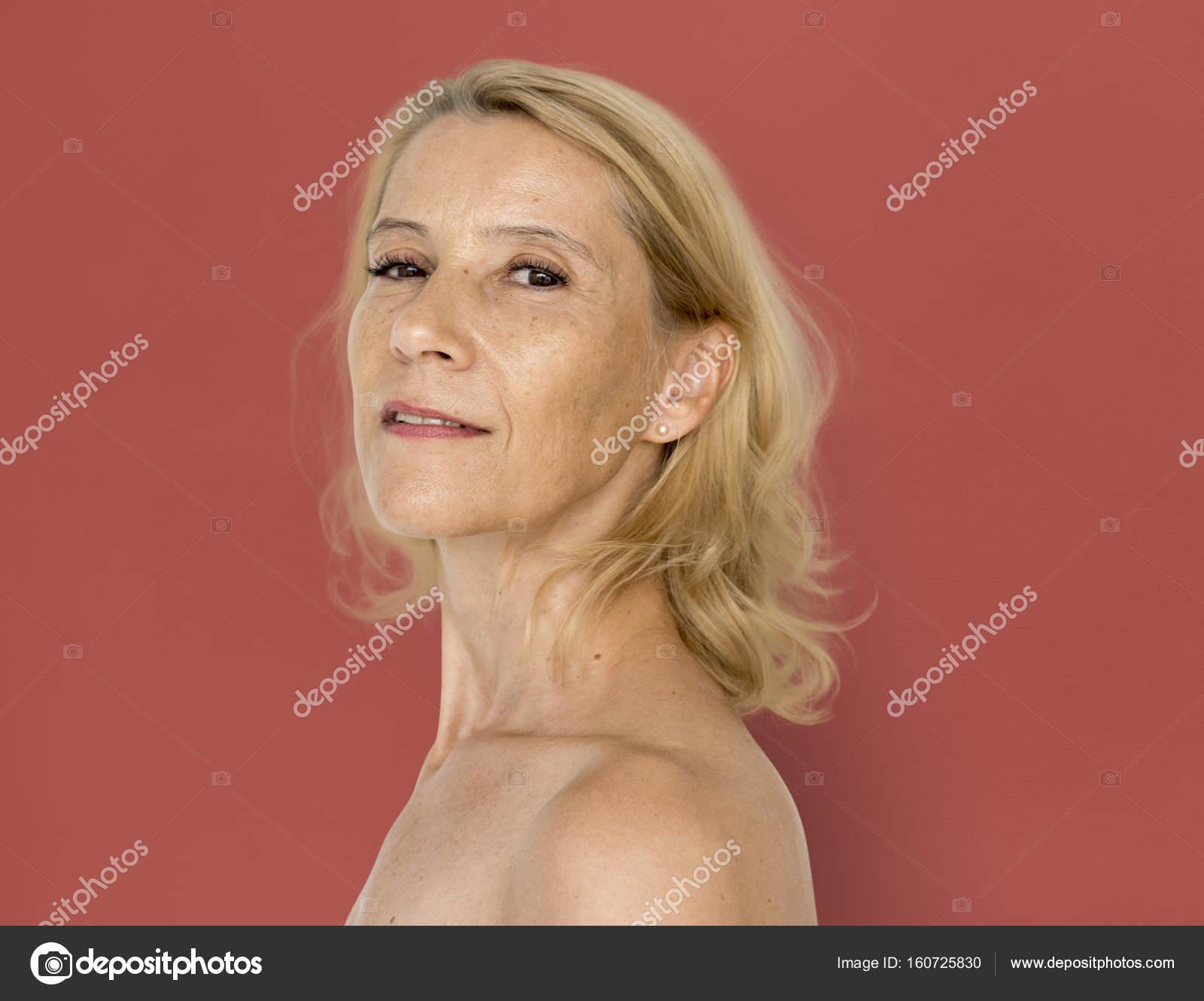 Fotos Mujer Madura Desnuda Mujer Madura Desnuda Foto De Stock
