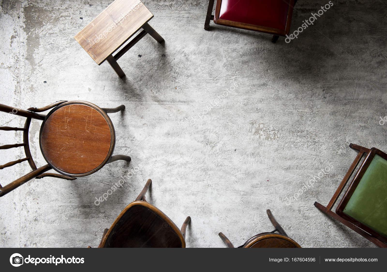 sedie antiche in legno — Foto Stock © Rawpixel #167604596