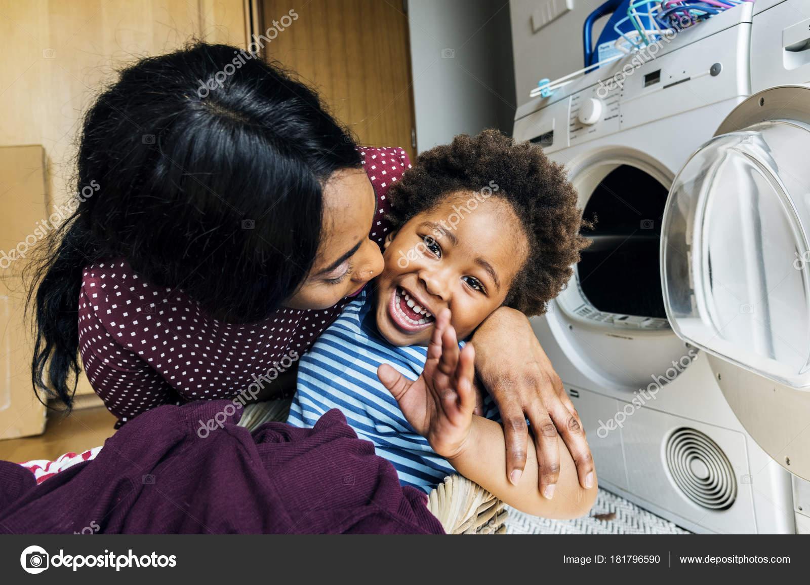 Сын трахает мать негритянку, Мама и негр: порно видео онлайн, смотреть секс ролик 18 фотография