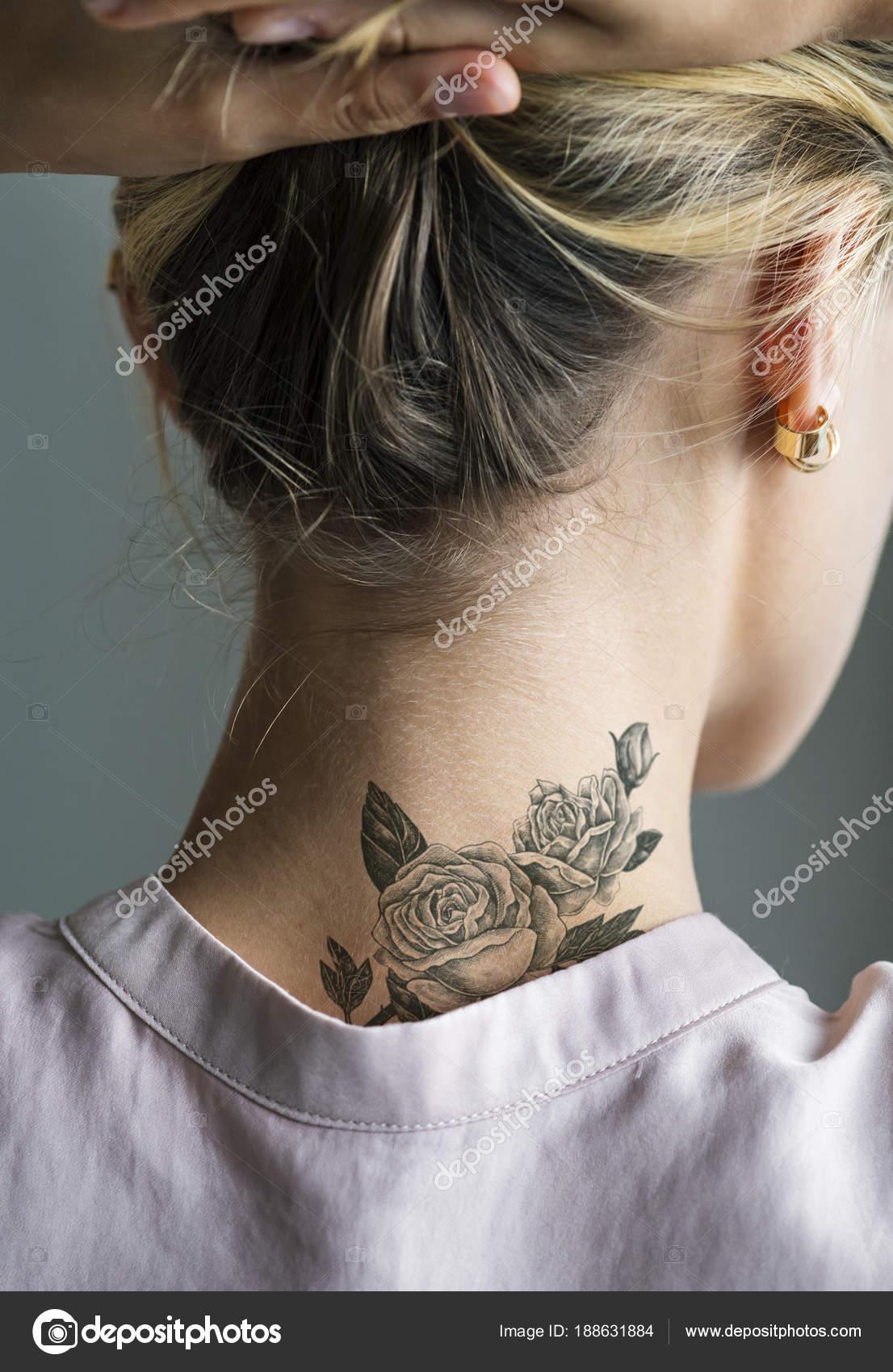 Tatuaż Karku Kobiety Zdjęcie Stockowe Rawpixel 188631884