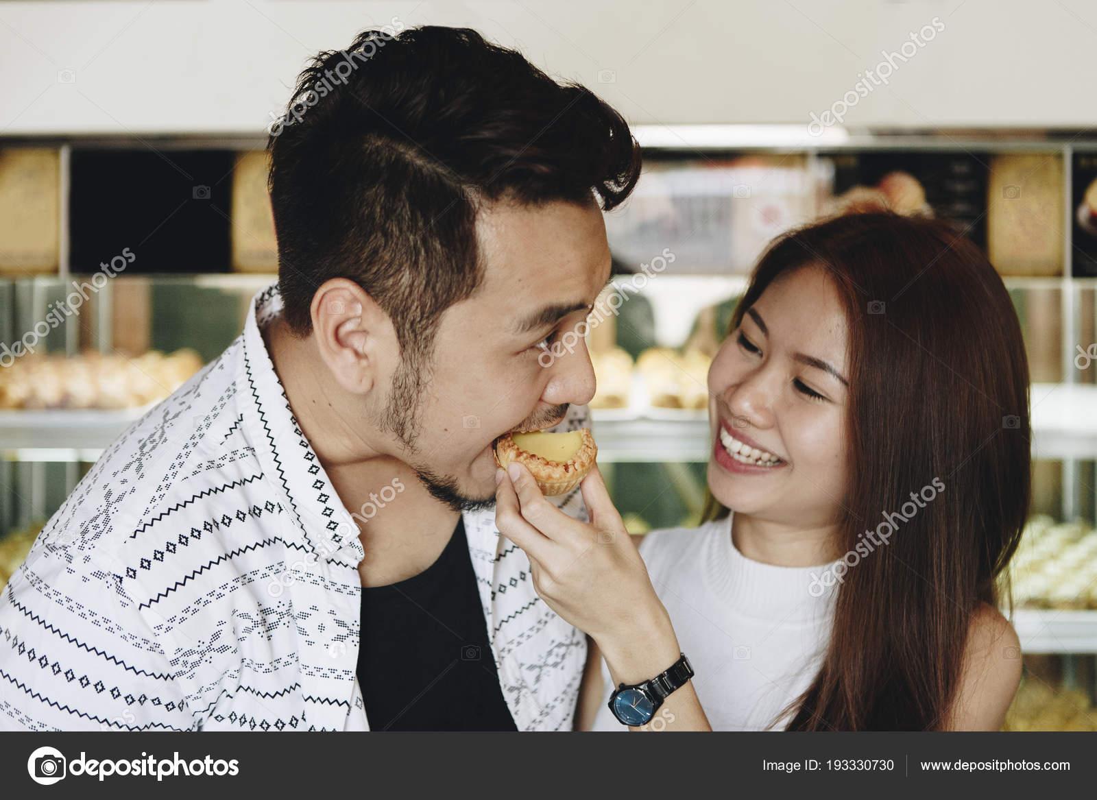 dingen om te weten voordat dating een Aziatisch meisje gratis dating Victoria Australië
