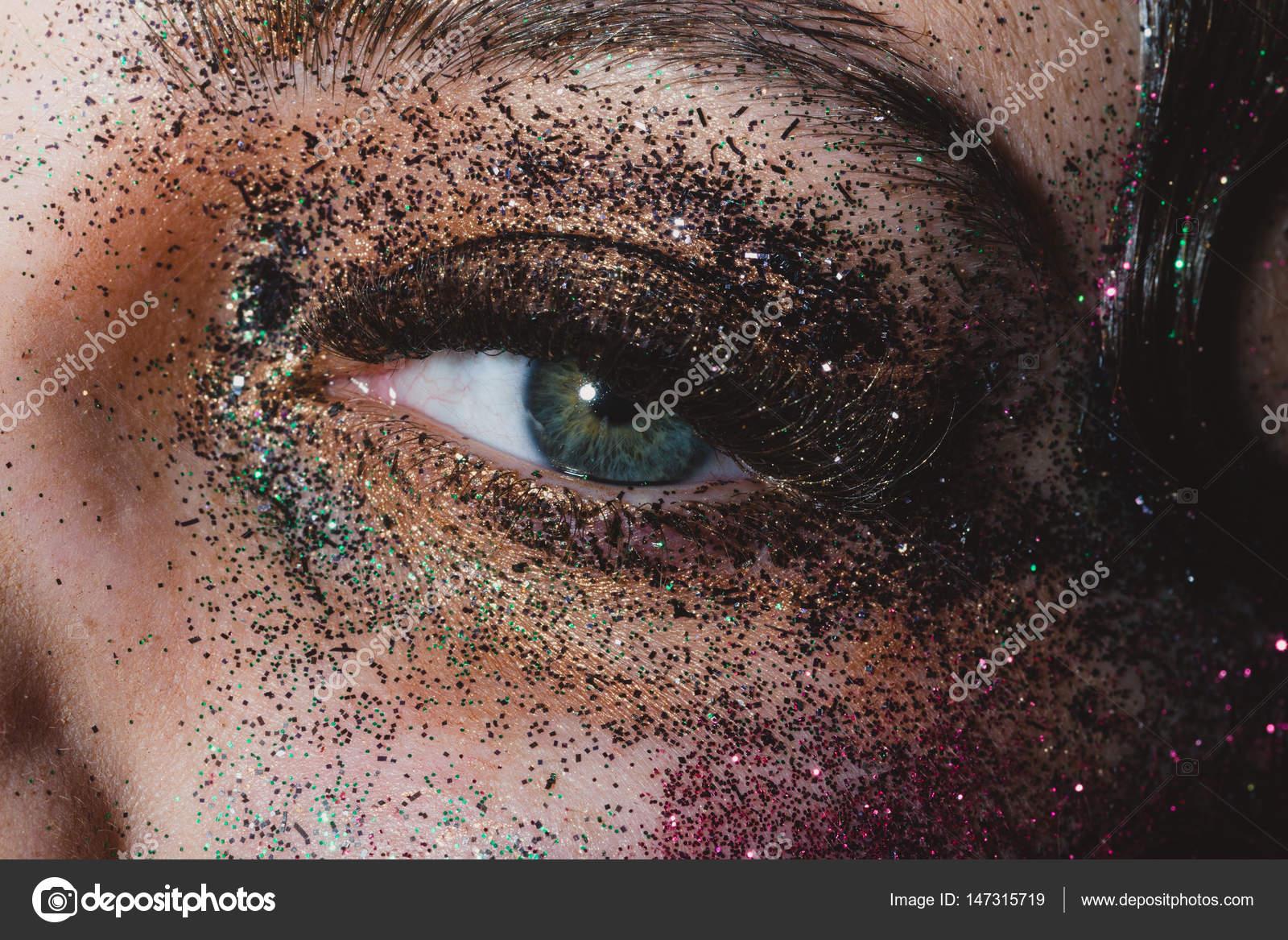 Female Oko Z Błyszczący Makijaż Zielone Oczy Młoda Dziewczyna Z