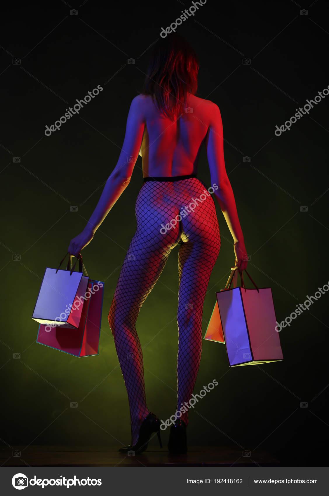 eroticheskie-magazin-foto-konchayut-na-zhivot-kamshot