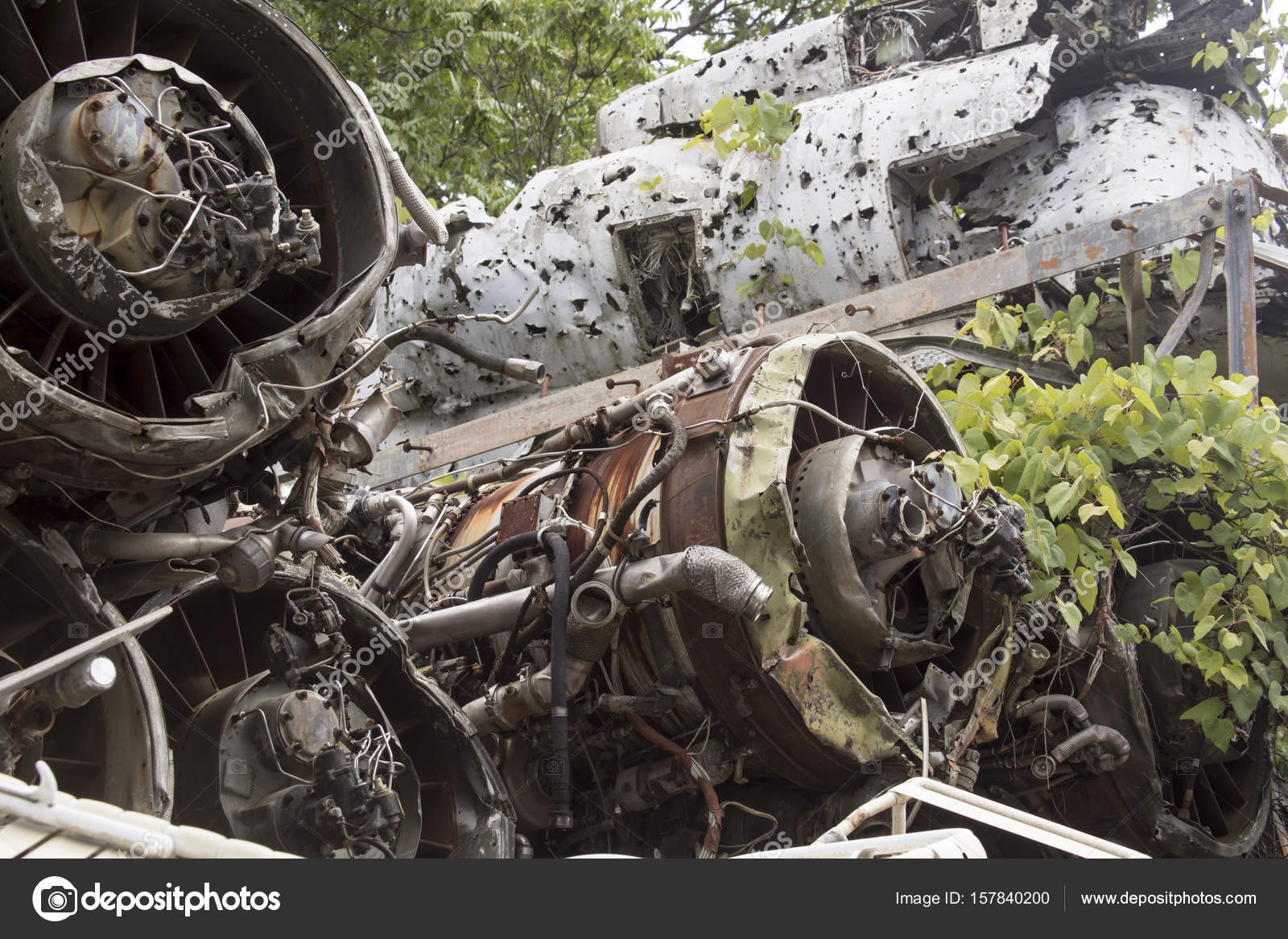 Wreckage of plane in junkyard — Stock Photo © karenfoleyphotography