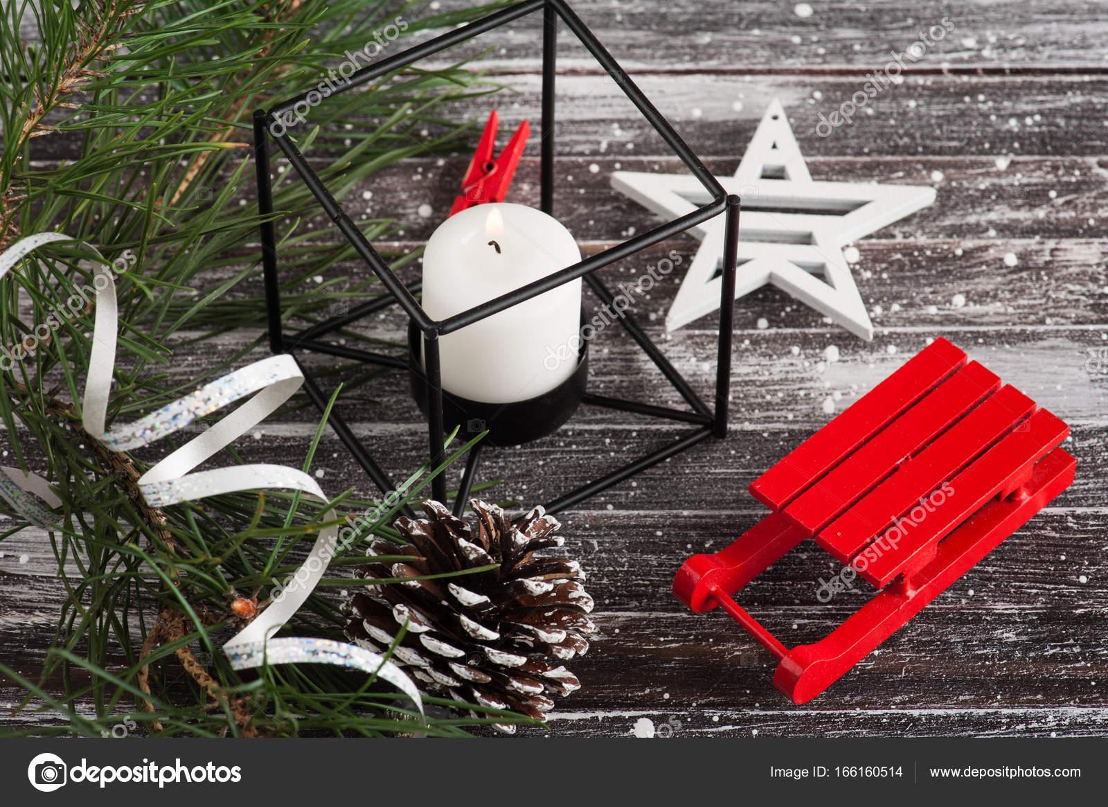Weihnachtsbaum und roter Schlitten — Stockfoto © irinabort #166160514