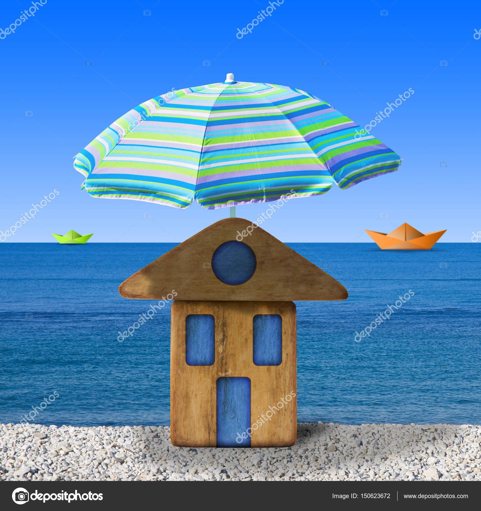 Kleines Holzhaus Am Meer Mit Strand Sonnenschirm Konzept
