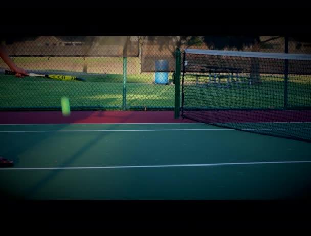 Teniszlabda gyakorlat kész teniszezni