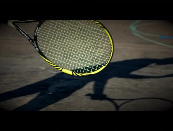 Připraven hrát tenis