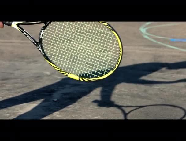 Připraven hrát tenisový stín hráče