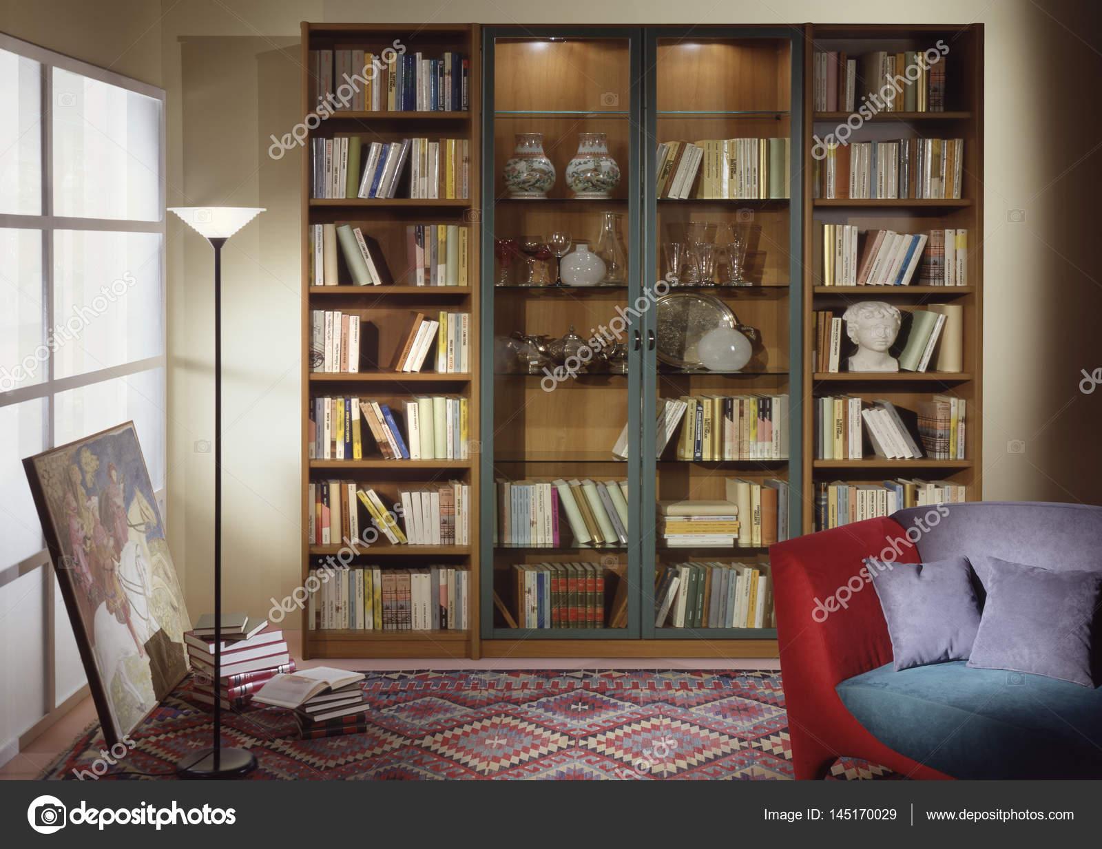Wohnzimmer Mit Bibliothek Umgebung U2014 Foto Von OscarO