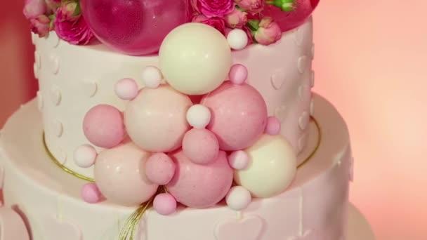 gyönyörű születésnapi torta rózsaszín party közelről