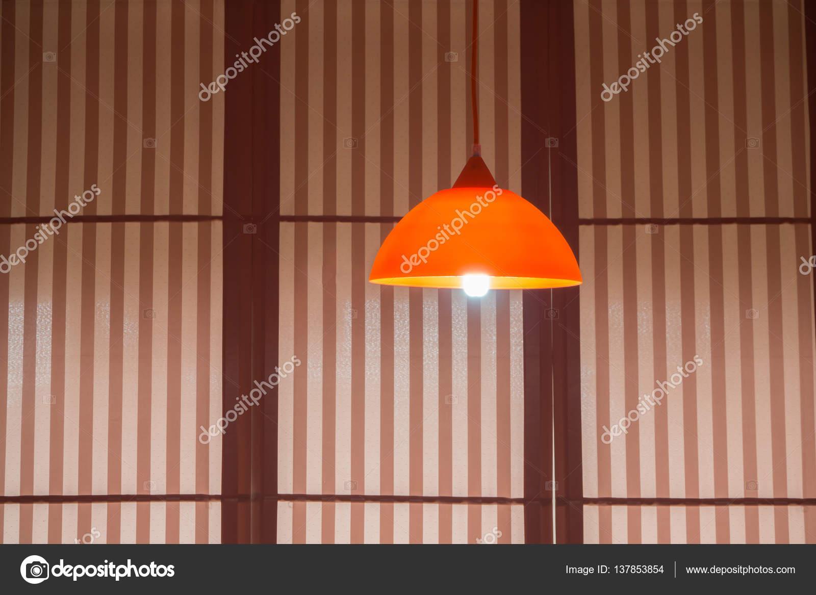 Plafoniere Moderne In Legno : Plafoniere moderne con copre la priorità bassa u2014 foto stock © awaygy