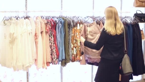 Nakupování dívka