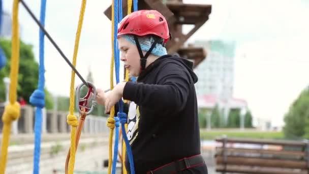 Kletterausrüstung Für Draußen : Kletterausrüstung für sicheres klettern stockfoto