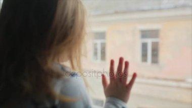 holčička do oken