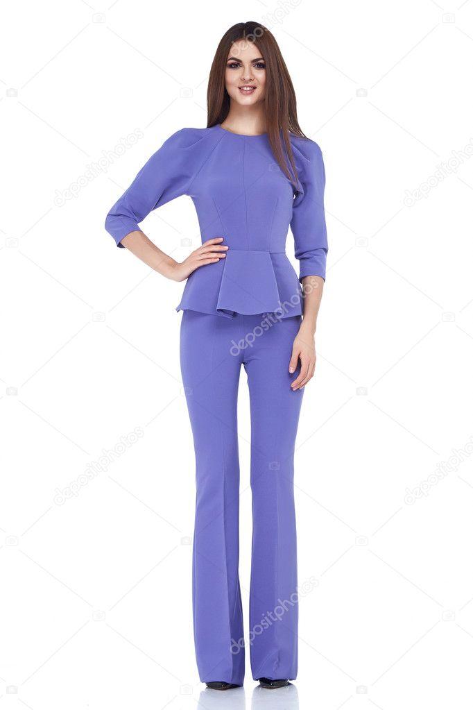 Hermosa mujer dama ropa el estilo ocasional de color lila de fecha ...