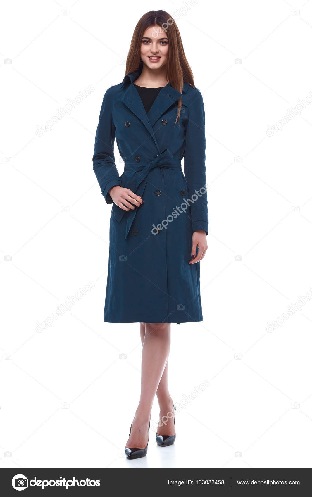 Schönheit Frau Modell tragen stilvolles Design Trend Kleidung ...