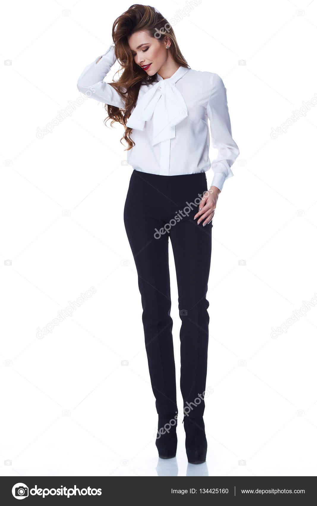 212a680001 Hermosa mujer sexy cara bonita maquillaje ropa moda estilo ropa pantalón  negro blusa blanca accesorio y zapatos código glamour modelo oficina pelo  largo ...