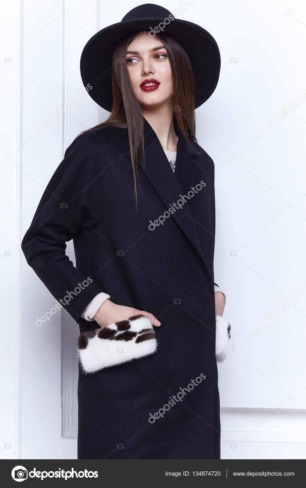 Business Woman Wear Casual Clothes Style For Winter Autumn Fashion Model Natural Cashmere Wool Coat Brunette Hair Glamour Trend Studio White Background