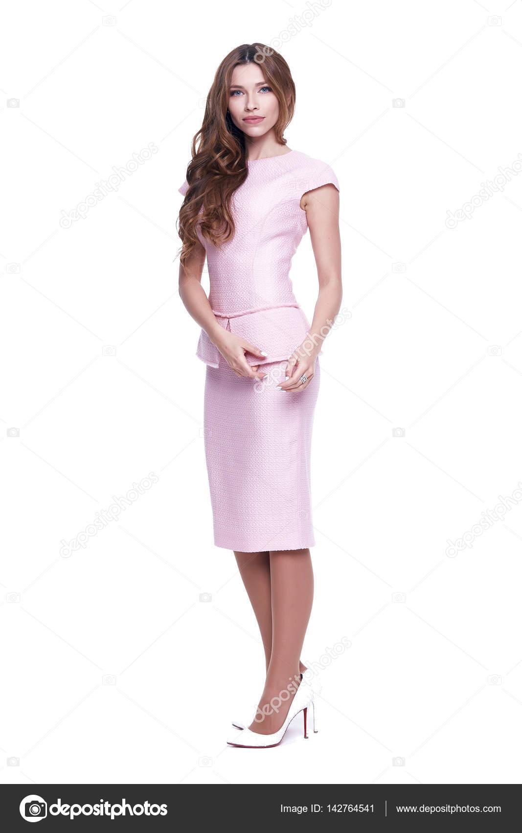 Schönheit Frau Modell tragen stilvolles Design Kleidung rosa Kleid ...