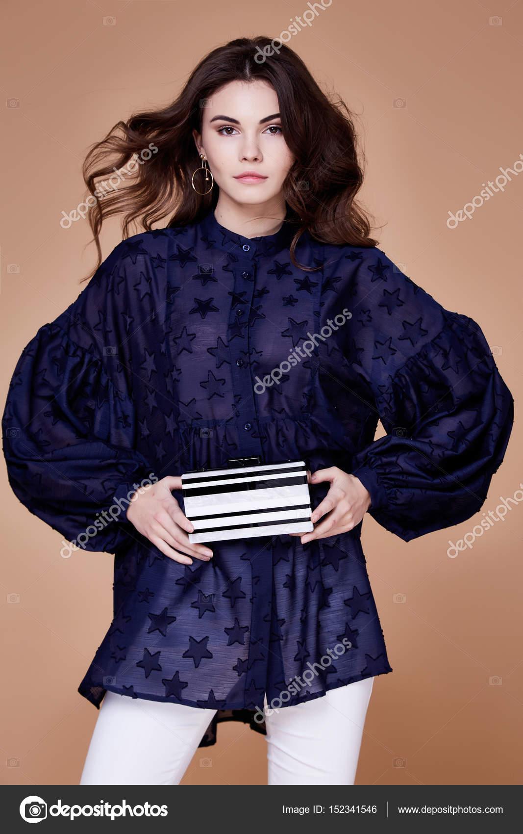 Sexy elegante Frau natürliche Schönheit Mode Stil Kleider casual f ...