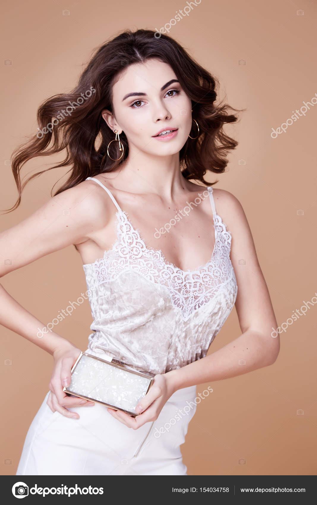 Schöne sexy elegante Frau natürliche Schönheit Mode-Stil kleiden ...