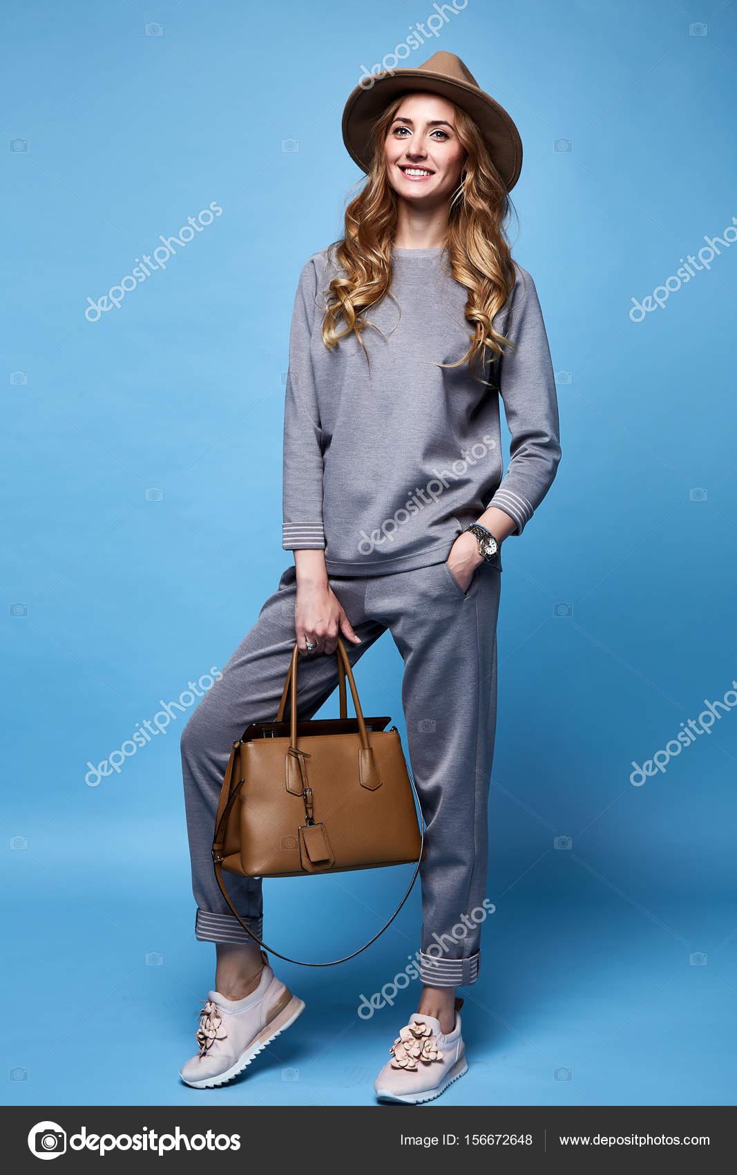 b3bf019ffb28 Ropa informal mujer | Estilo de moda sexy glamour de hermosa mujer ...