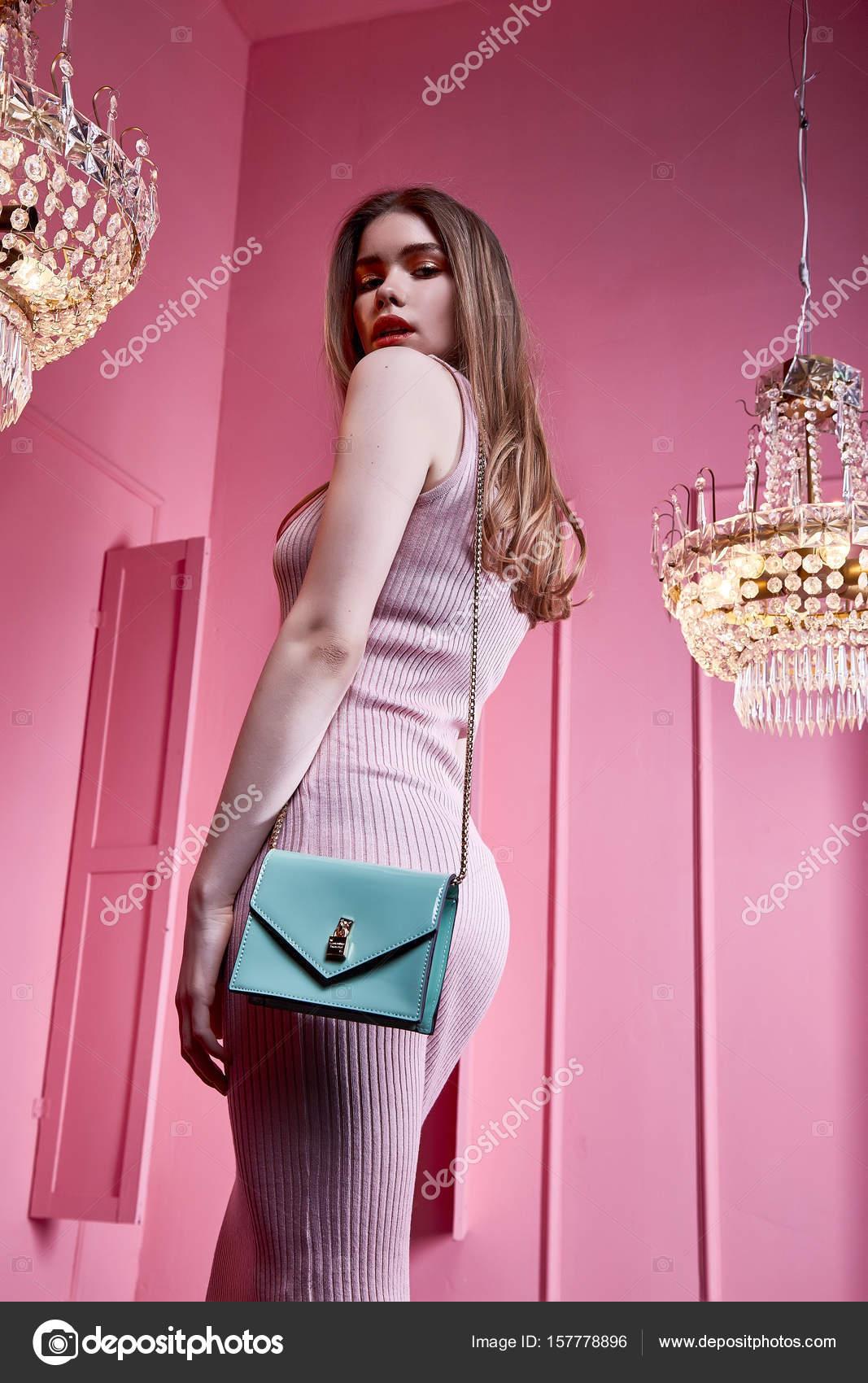 Belleza sexy mujer llevar flaco vestido estilo ropa de fiesta cele ...