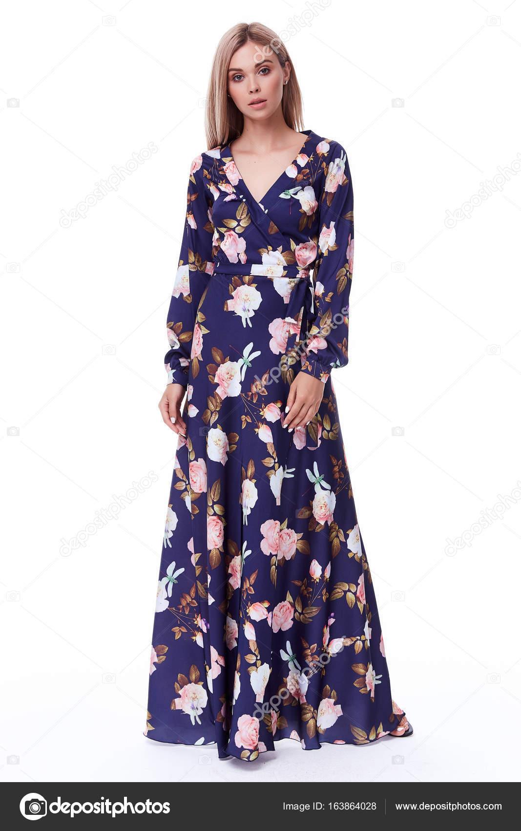 Señora muy sexy moda modelo pelo rubio desgaste Vestido de seda o ...