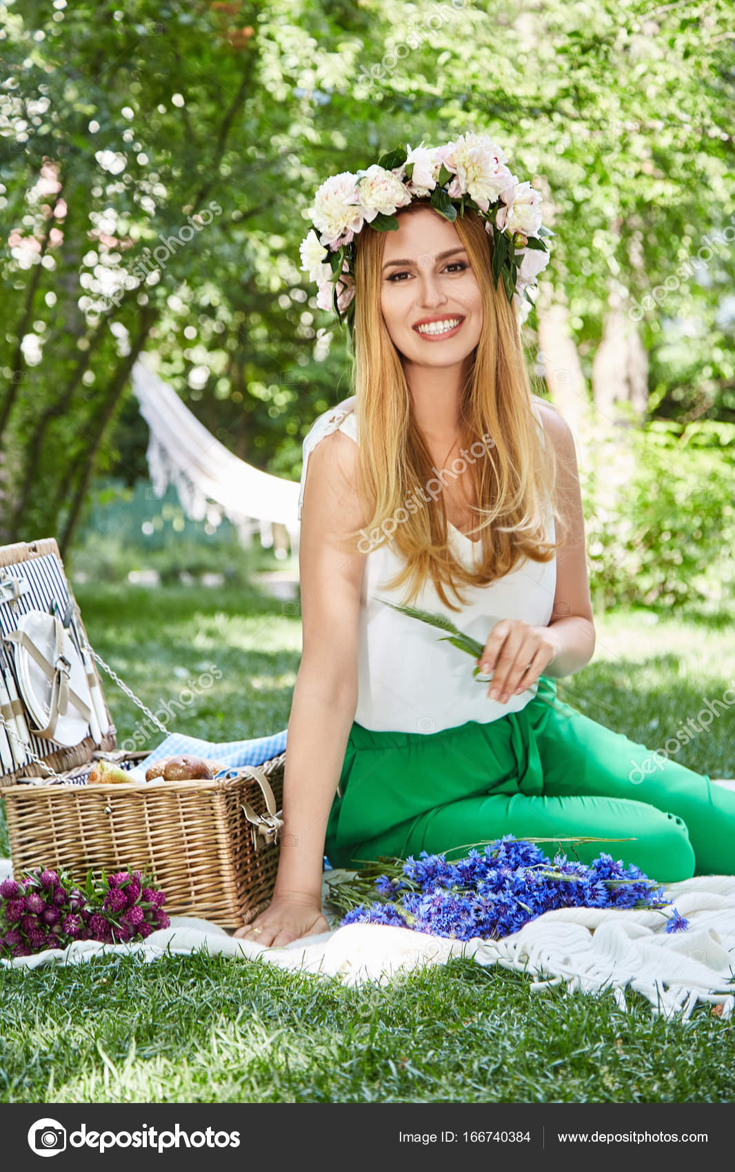 You are sexy photos of woman on picnic think