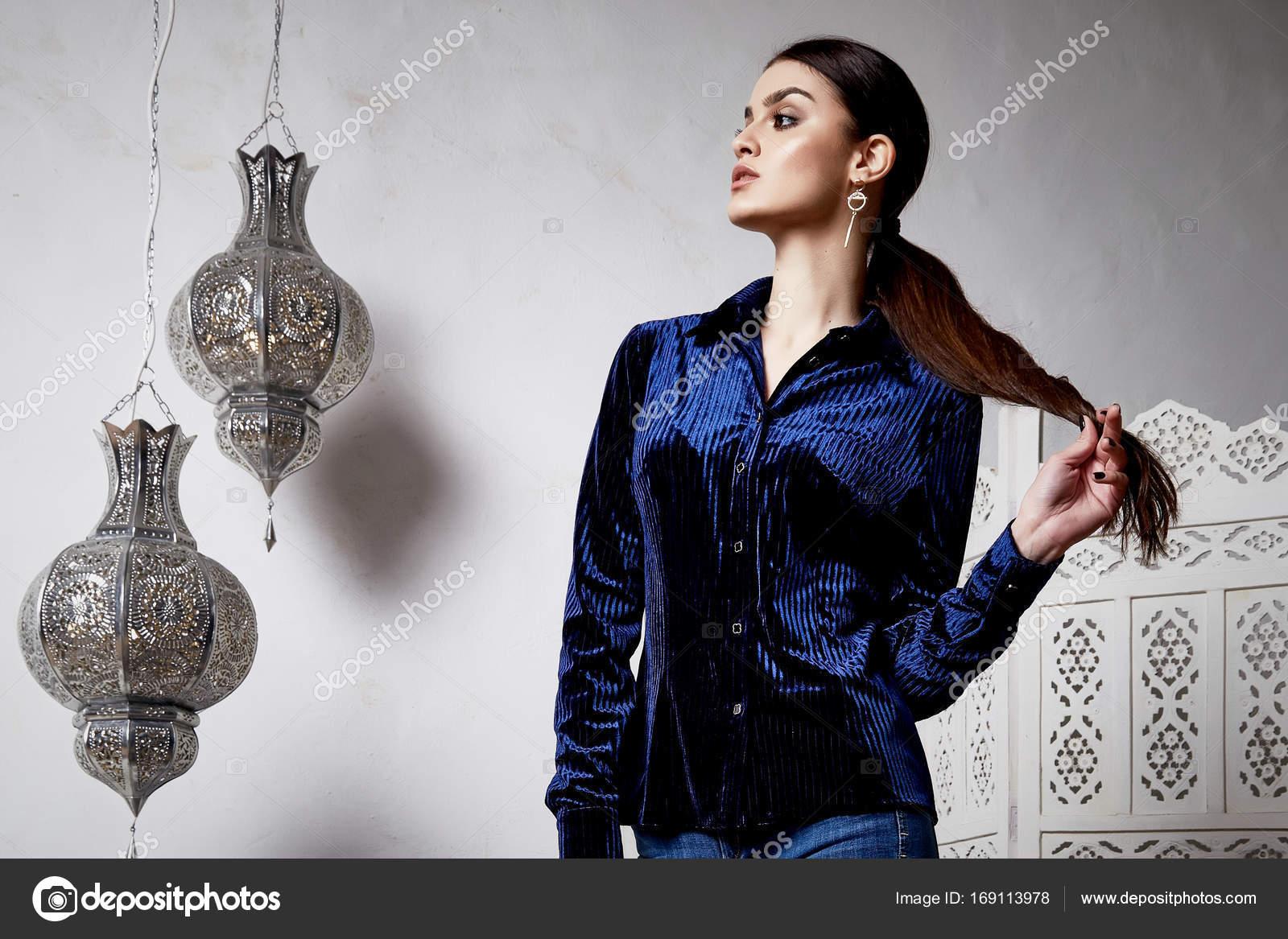 Мами красивые фото женщин брюнеток с арабии толстые девки