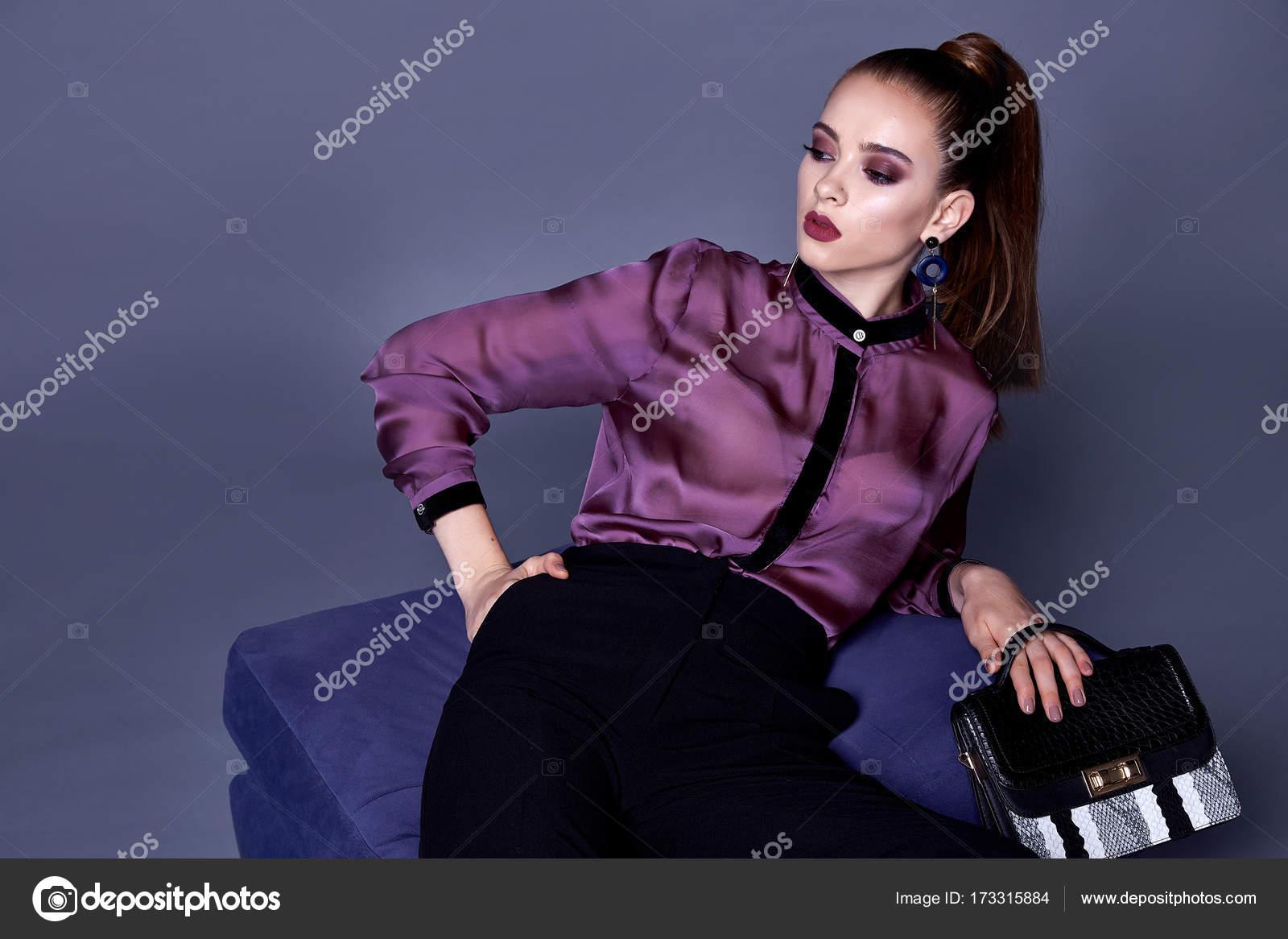 Blusa de seda de ropa hermosa mujer bonita sexy y negro pantalones ...