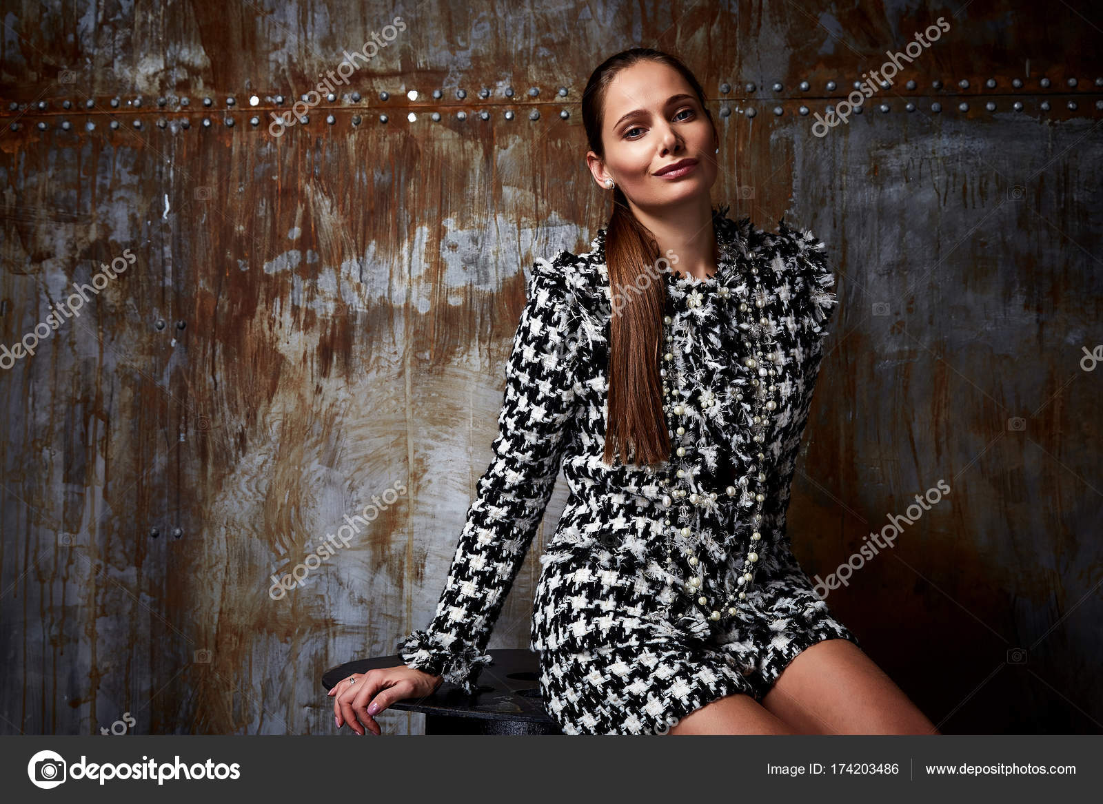 Moda Mujer Cuerpo Perfecto Forma Morena Peinar Vestir Sexy E