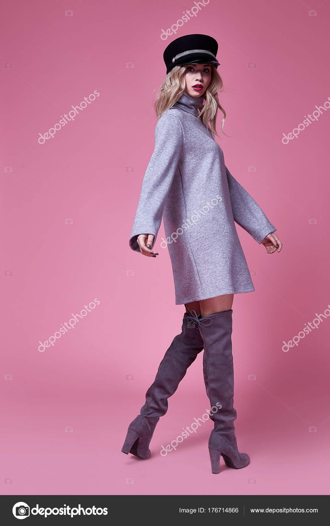 Mujer hermosa dama sexy ropa moda empresaria traje vestido — Fotos ...