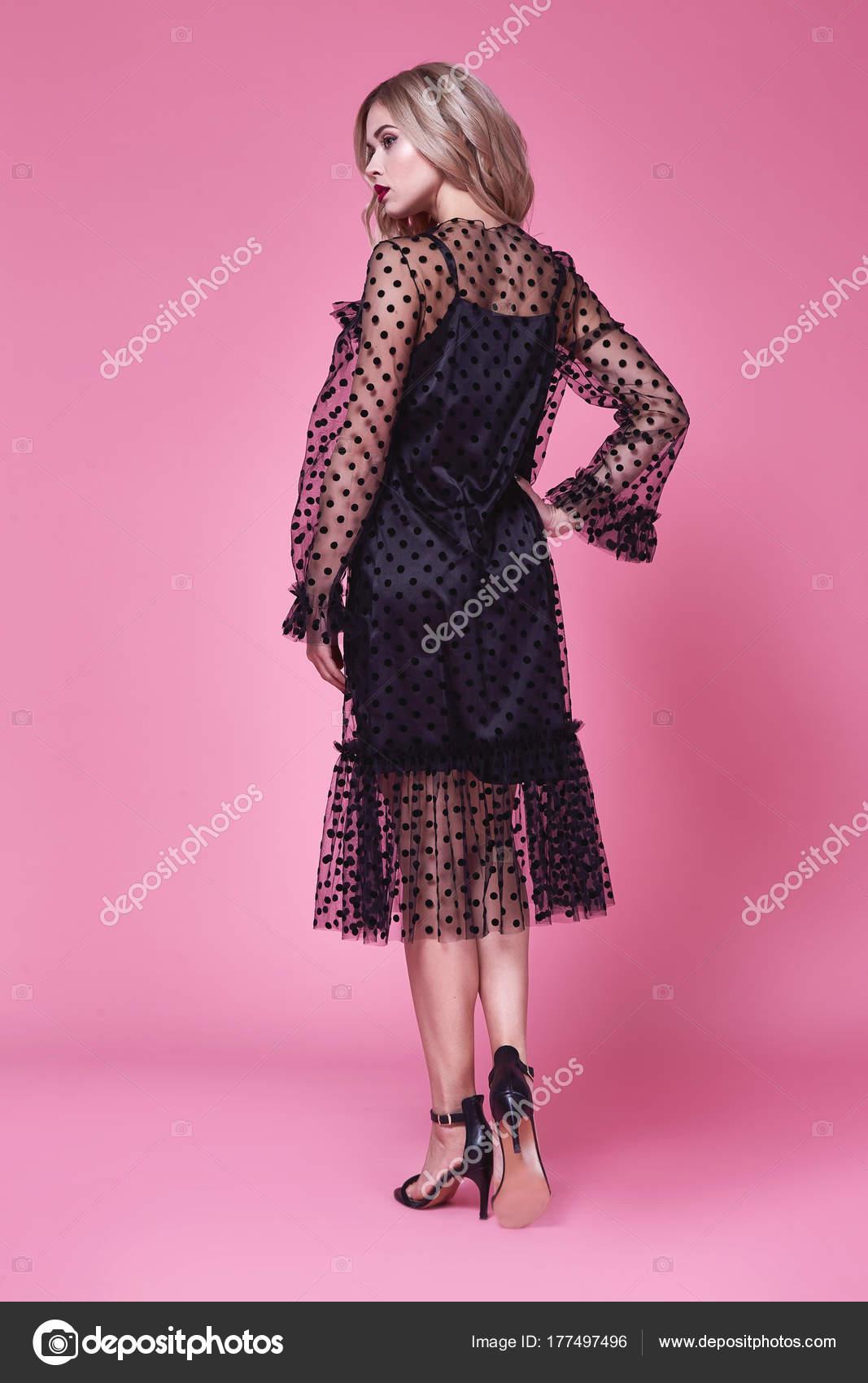 Mujer sexy vestido corto seda diseñador de moda de ropa bella dama ...