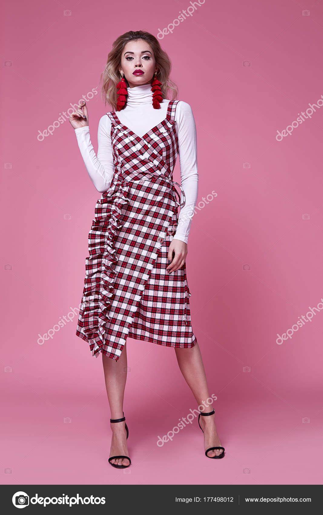 Hübsche Frau schöne sexy Dame tragen Mode-Designer Kleid Eva ...