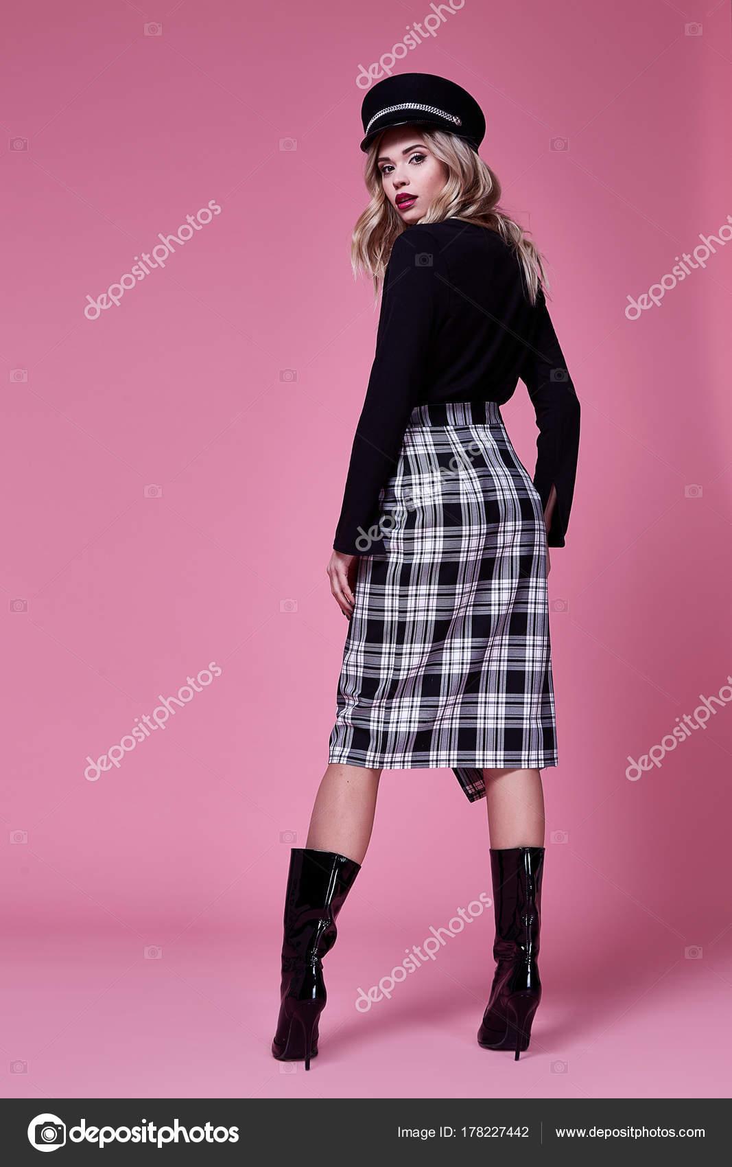 Hermosa linda mujer dama sexy desgaste diseñador vestido bla — Foto ...