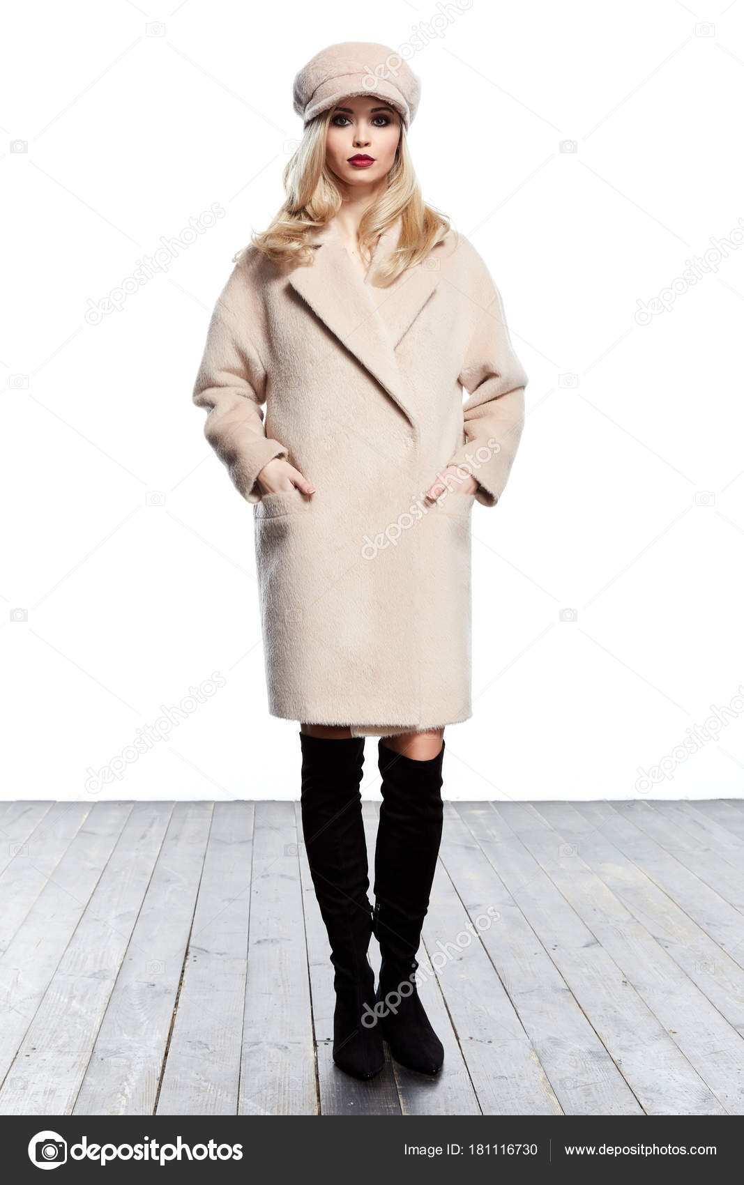 Business Woman Wear Casual Clothes Style For Winter Autumn Fashi Stock Photo