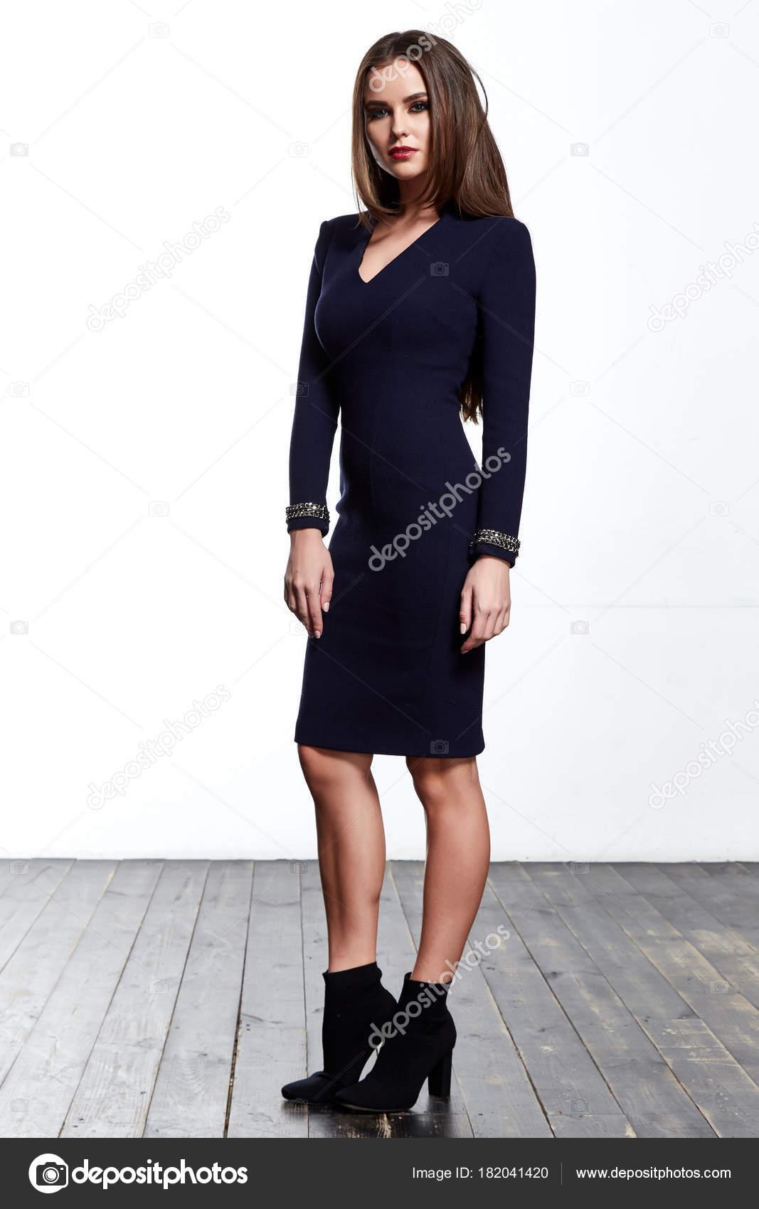 Hübsche Junge Frau Schön Sexy Dame Tragen Schwarze Mode Designer ...
