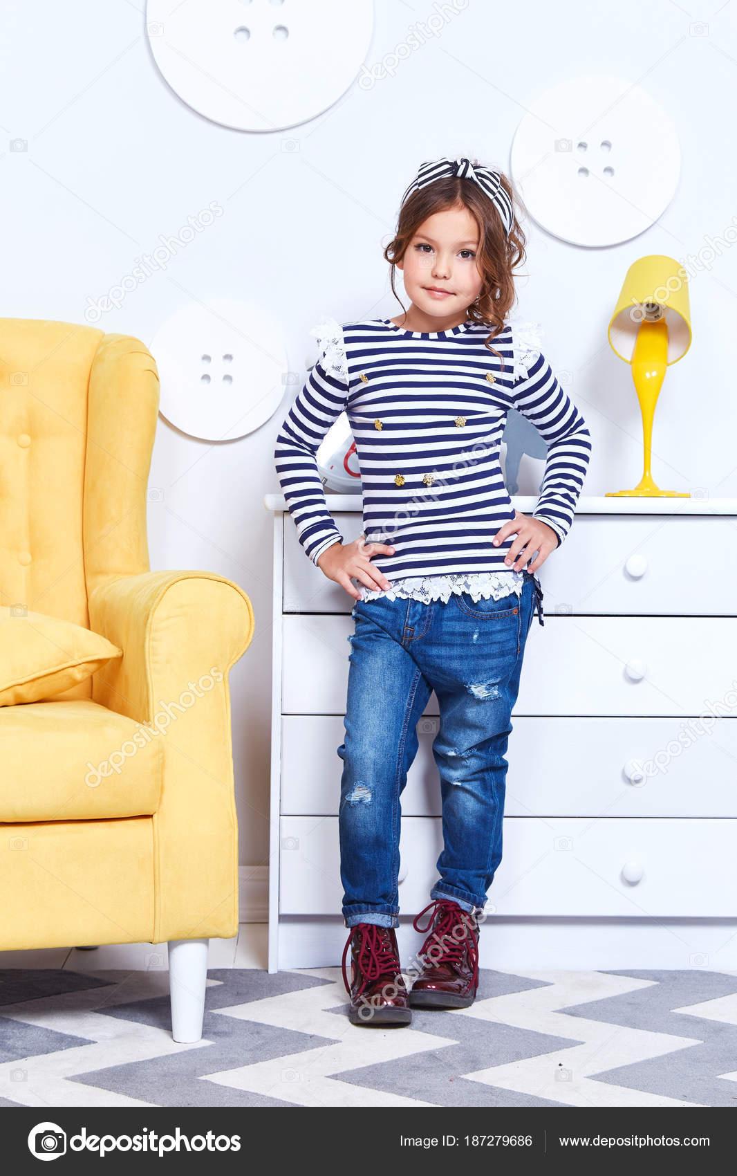 Mode Stil Kleidung für Kinder kleine Mädchen tragen Streifen t-s ...