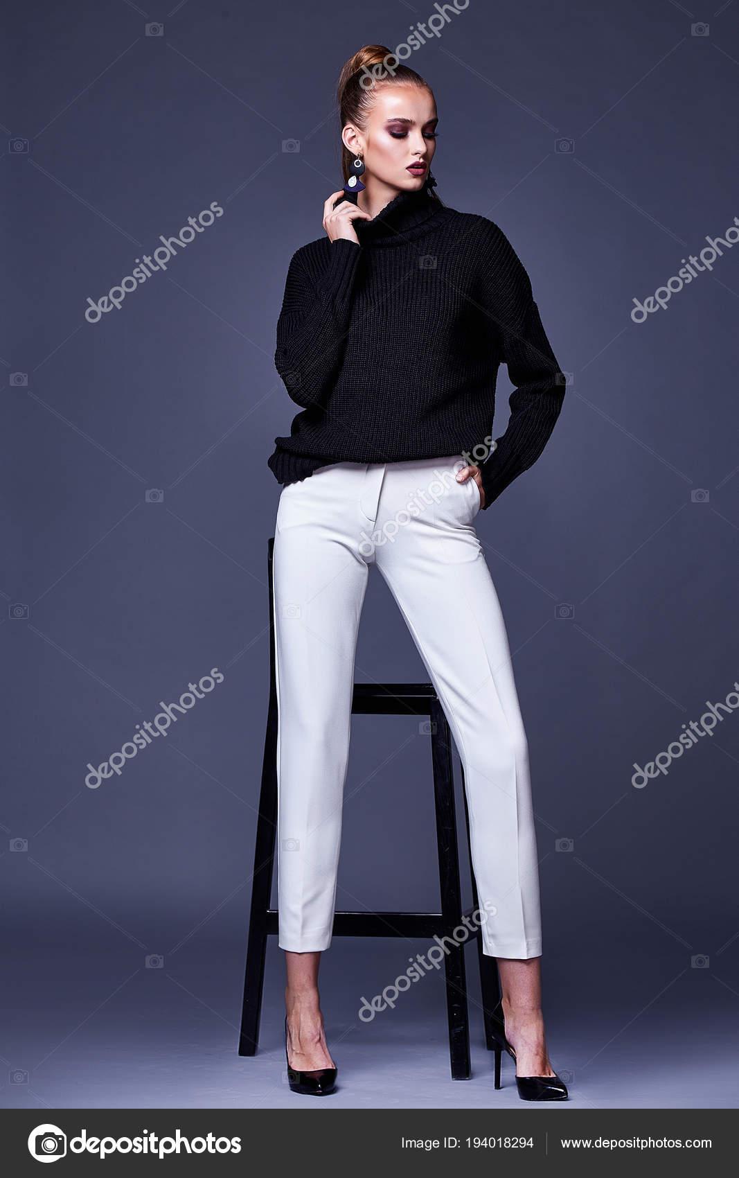 buy popular 7ed59 93811 Sexy schöne Frau elegante Dame tragen legere Kleidung für ...