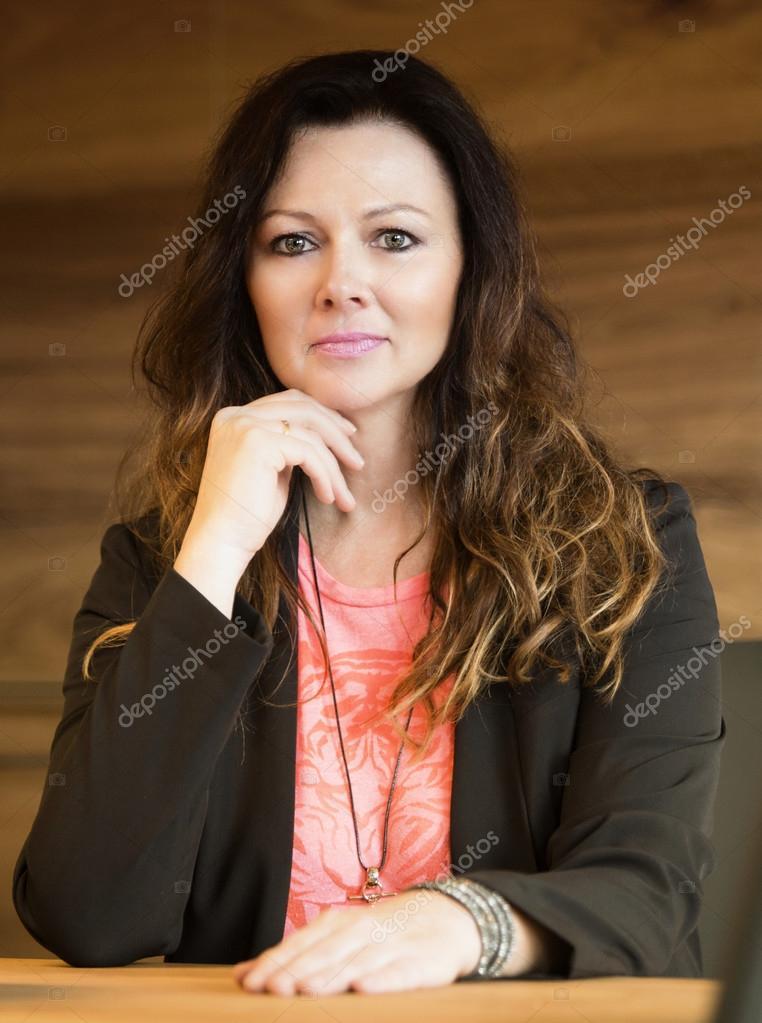attraktive Frauen in ihren 40ern